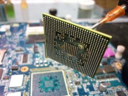 Замена чипа видеокарты ноутбука в Праге