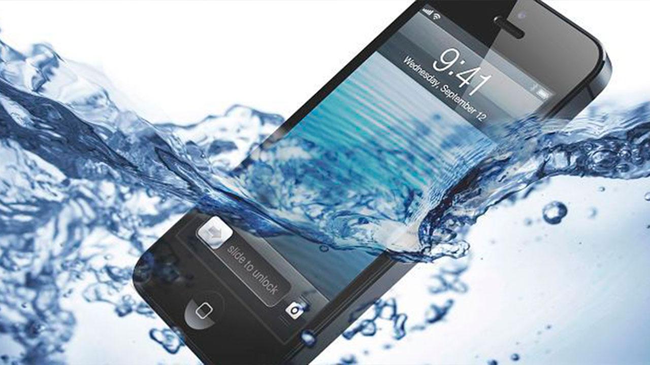 Ремонт, восстановление телефонов после попадания воды, влаги в Праге