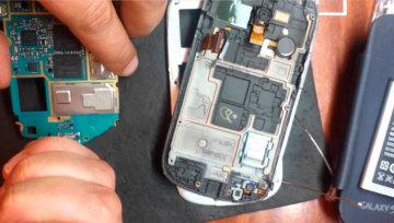 Ремонт и замена микрофона телефона в Праге